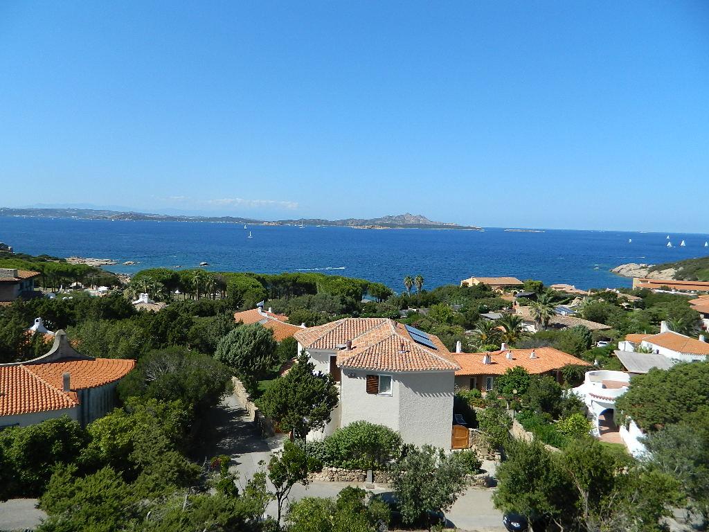 Costa Smeralda Baia Sardina appartamento vendo a 150 mt. dal mare