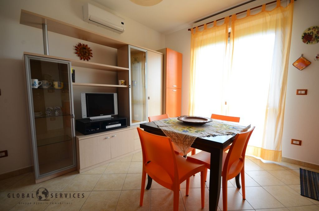 Two beds apartment like new Caragol area