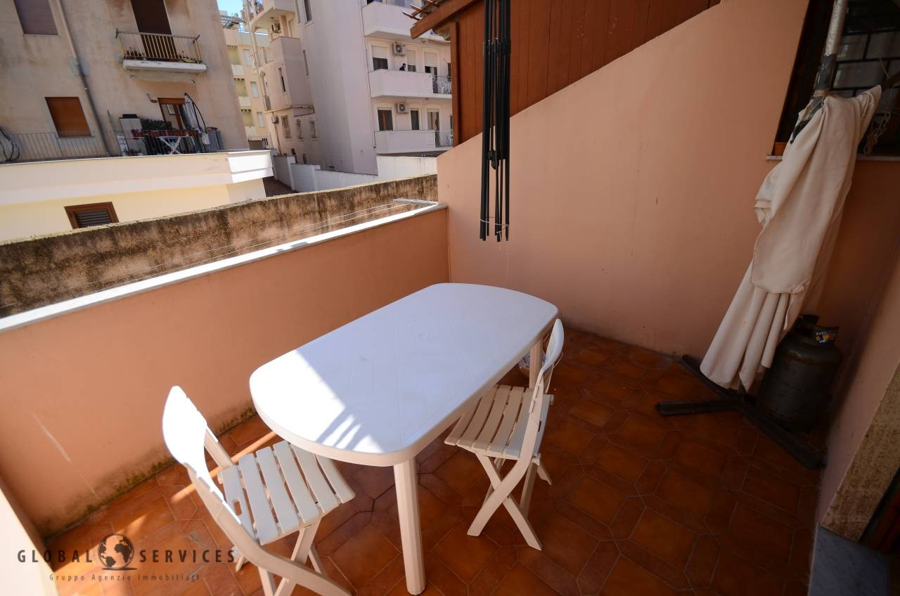 Ground floor apartment with terrace and parking space - Global Services
