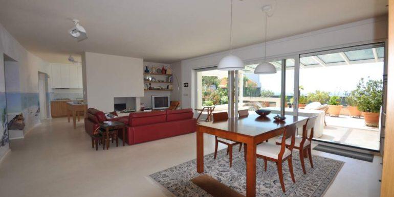 Elegante e rifinito attico in vendita Alghero