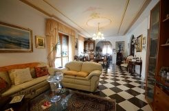 Grande appartamento in vendita con studio