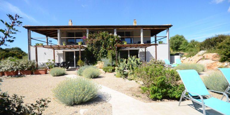 Bellissima villa con piscina in vendita ad Alghero