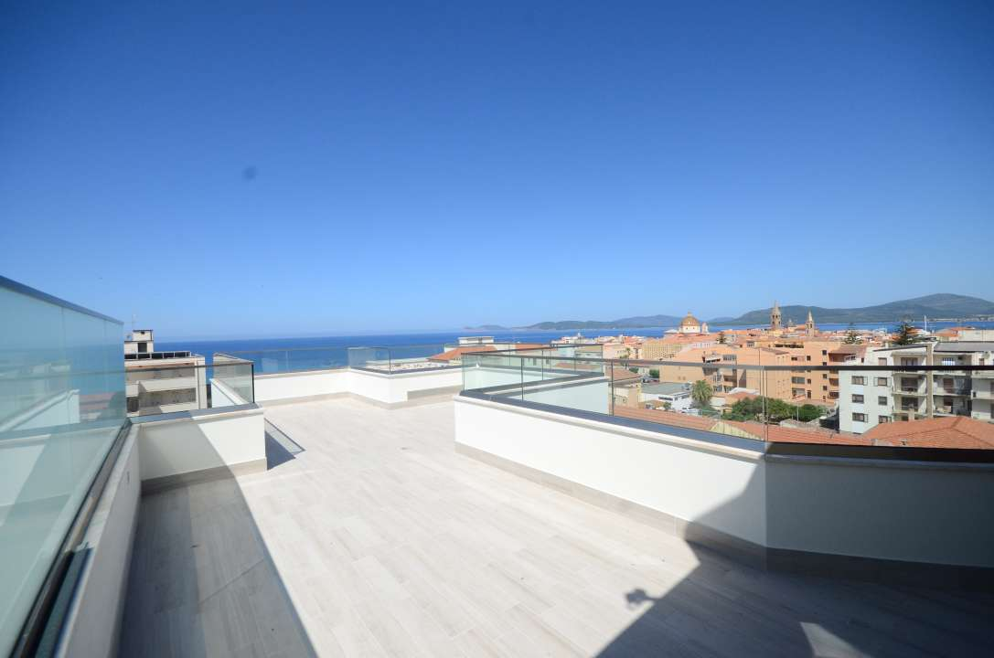 New penthouse with sea view in Alghero