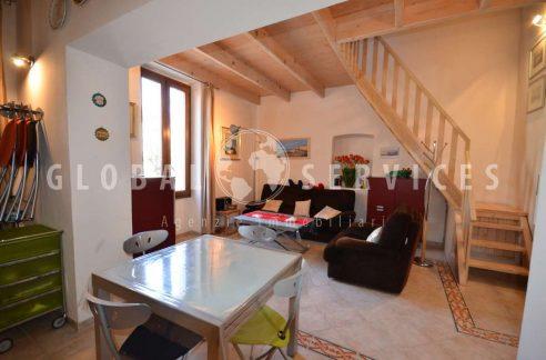 Centralissimo appartamento con soppalco ad Alghero