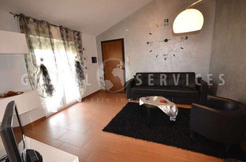 Appartamento in vendita via Dore Olmedo