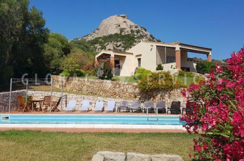 Villa a Baia Sardinia con dependance