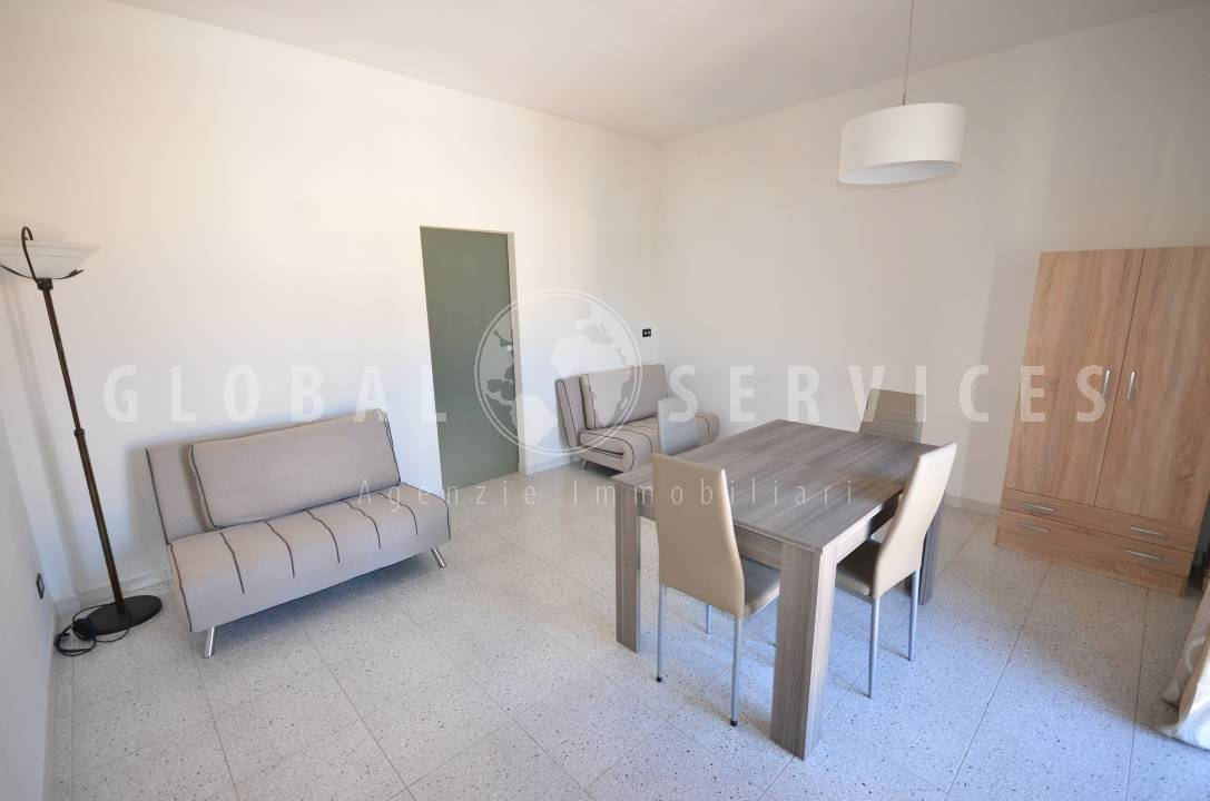 Ampio appartamento via Vittorio Emanuele