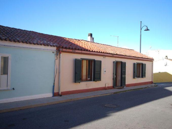 Casa indipendente San Pantaleo centro
