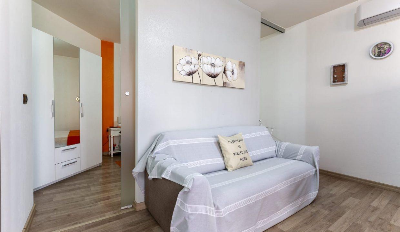 Favoloso appartamento indipendente via Biasi (8)